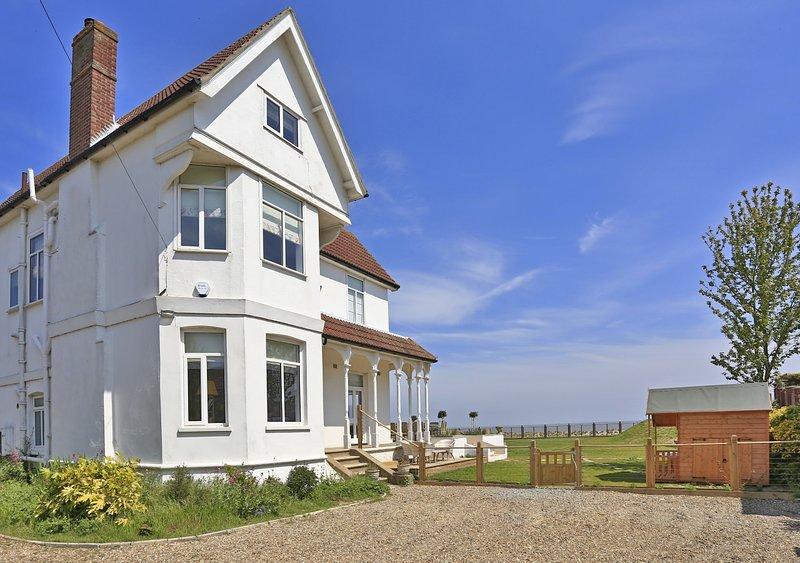 Beach House, holiday rental in Henstead