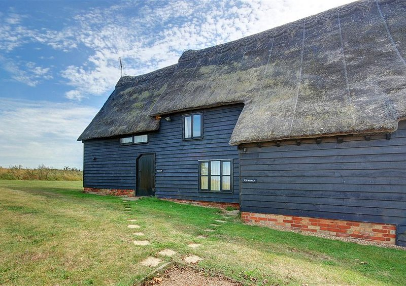 Granary Cottage, holiday rental in Blaxhall