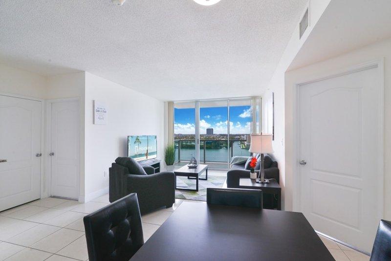 Área de jantar / sala de estar