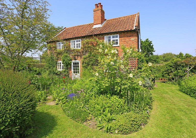 Riverside Cottage, holiday rental in Blaxhall