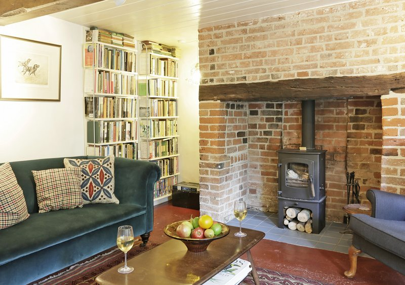 Sherfield Cottage, holiday rental in Blaxhall