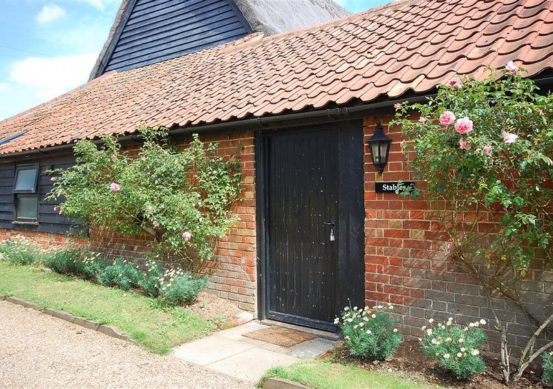 The Stables, holiday rental in Blaxhall