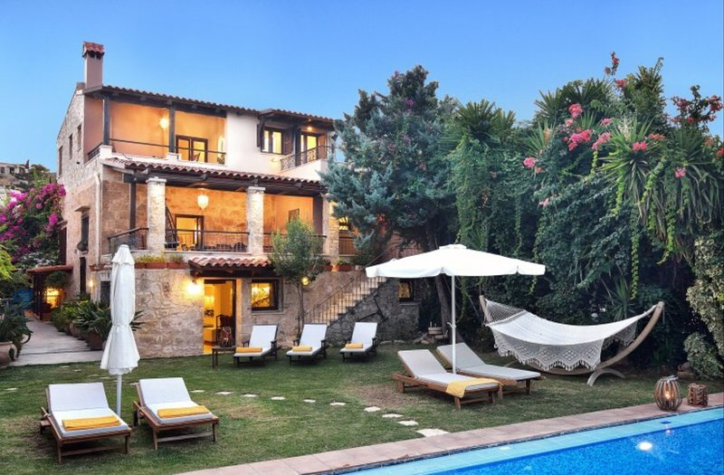 Luxury villa, private pool, garden, gym, privacy, serenity, holiday rental in Kaliviani