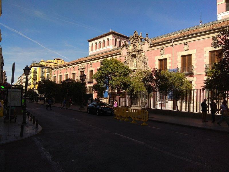 Apartamento a pocos metros del museo de historia de Madrid.