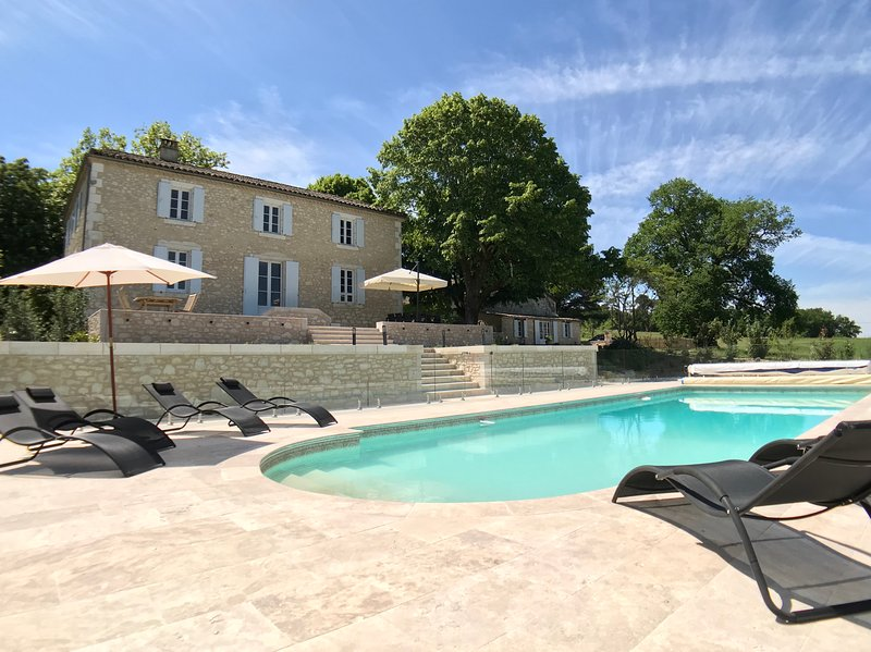 Luxury Manor House in the Dordogne, vacation rental in Saint Julien d'Eymet