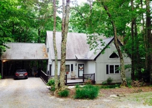 3 bed 2 bath house within Walking Distance to Appalachian Ski Mountain!!!, alquiler de vacaciones en Blowing Rock