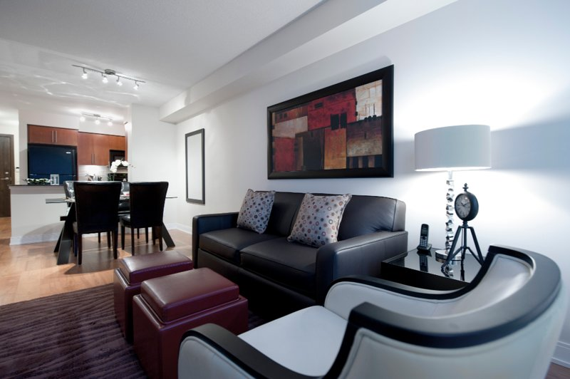 Nuvo - 2 Bedroom/2 Bathroom Suite, holiday rental in Mississauga