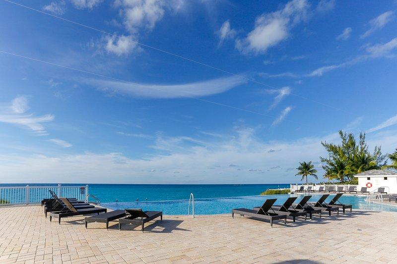 2/2 Bimini Condo Walking Distance to Beach, holiday rental in Bimini
