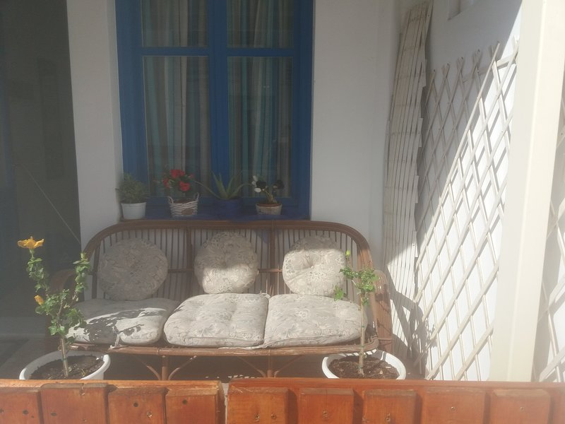 Beautiful studio near the beach, holiday rental in Koronos