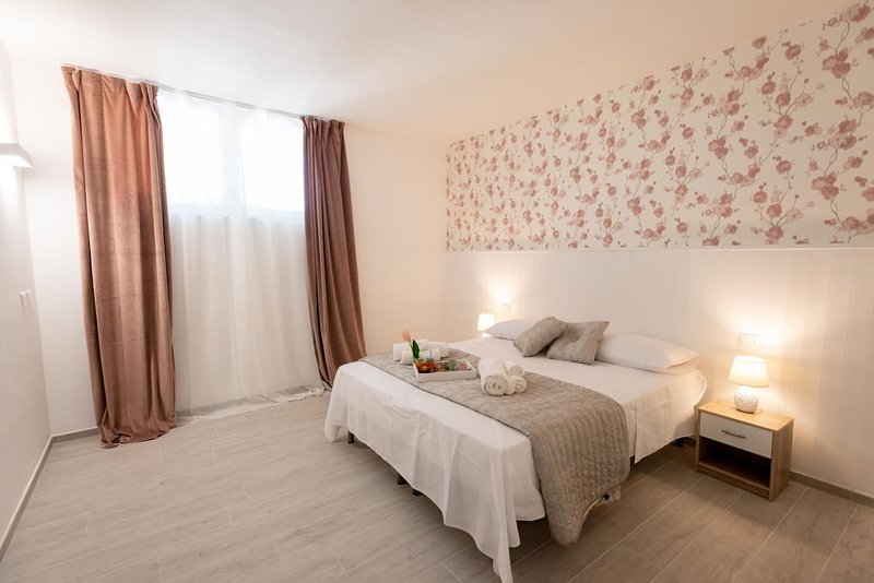 Amazing house with garden & Wifi, vacation rental in Noci