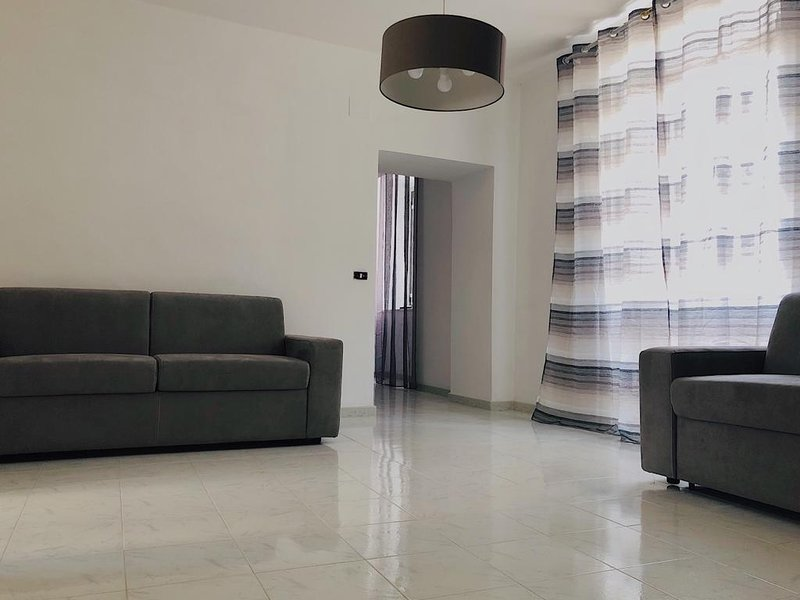 Amazing apartment in Maiori & Wifi, vacation rental in Maiori