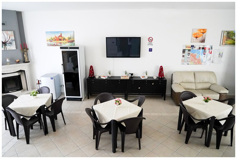 Amazing villa with swimming-pool, holiday rental in Castel del Monte