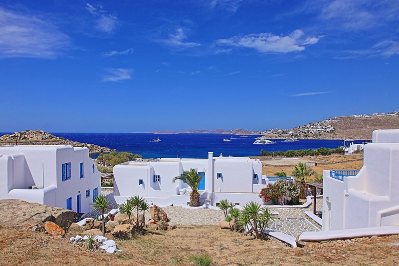 Maganos EikosiTria: Traditional one bedroom apt, for 3 persons, enjoys a shared, vacation rental in Paraga