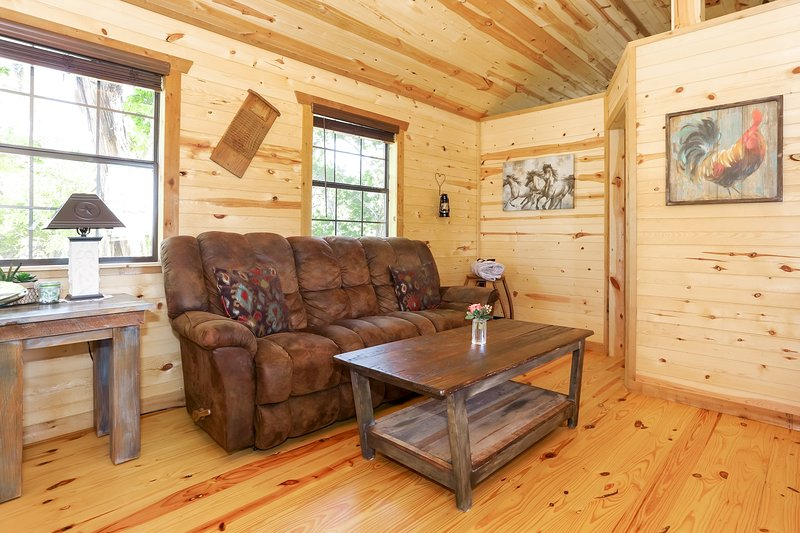 God's Country Cabins - Faith, vacation rental in Fredericksburg
