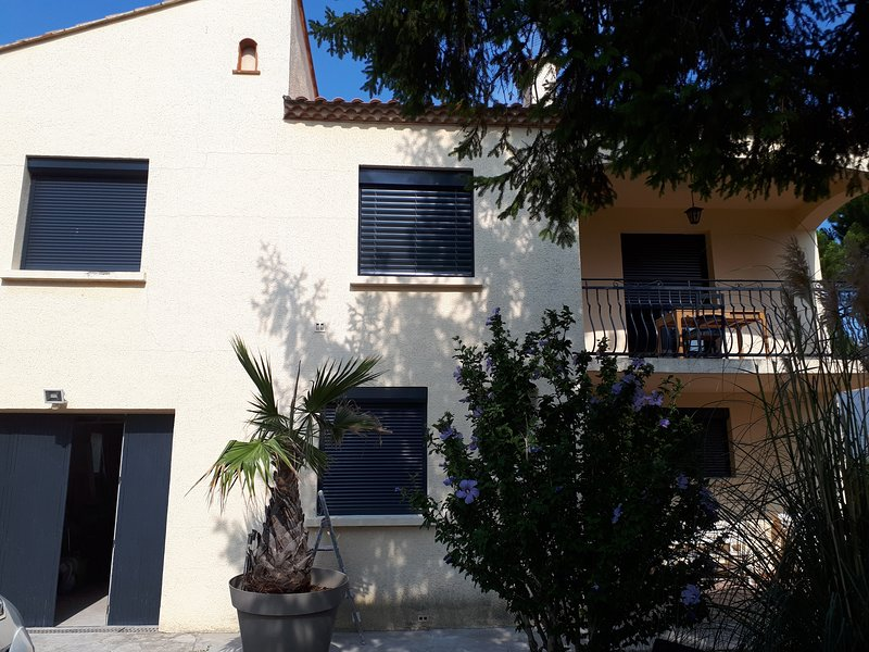 Villa in South of France close to beach, vineyards, city, Roman sites..and more!, vacation rental in Montpellier