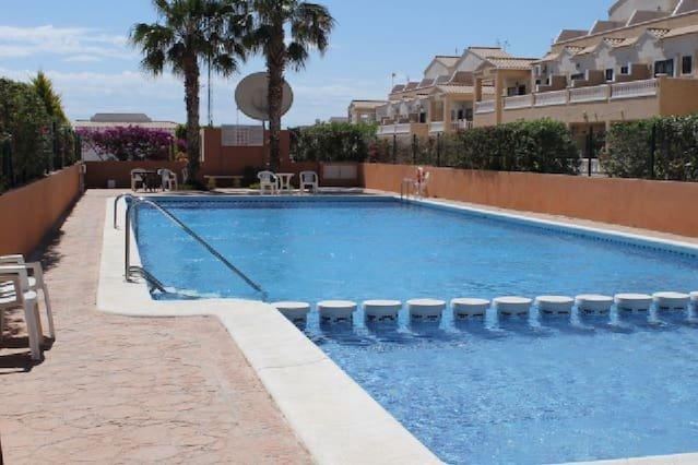 La Cinuelica R2 Ground Floor Apartment with L167, holiday rental in Punta Prima