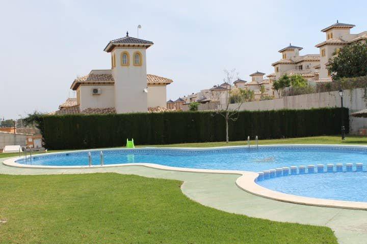 Playa Golf II, R6 1st Flr apt with Comm pool P251, holiday rental in Los Dolses