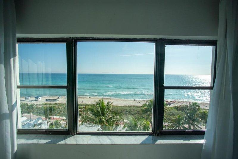 Front Ocean Casablanca, holiday rental in North Miami Beach
