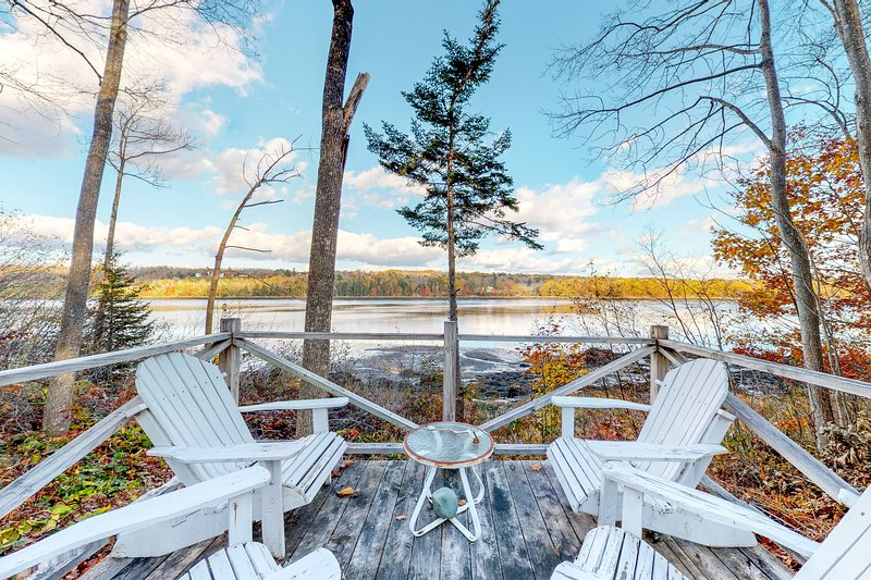 Riverfront home w/ deck, amazing views & firepit - near the best of Maine!, location de vacances à Bucksport