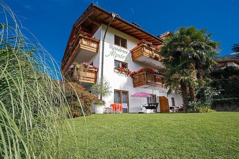 Ferienwohnungen mit Vorzügen des Hotels, holiday rental in Tirolo / Dorf Tirol