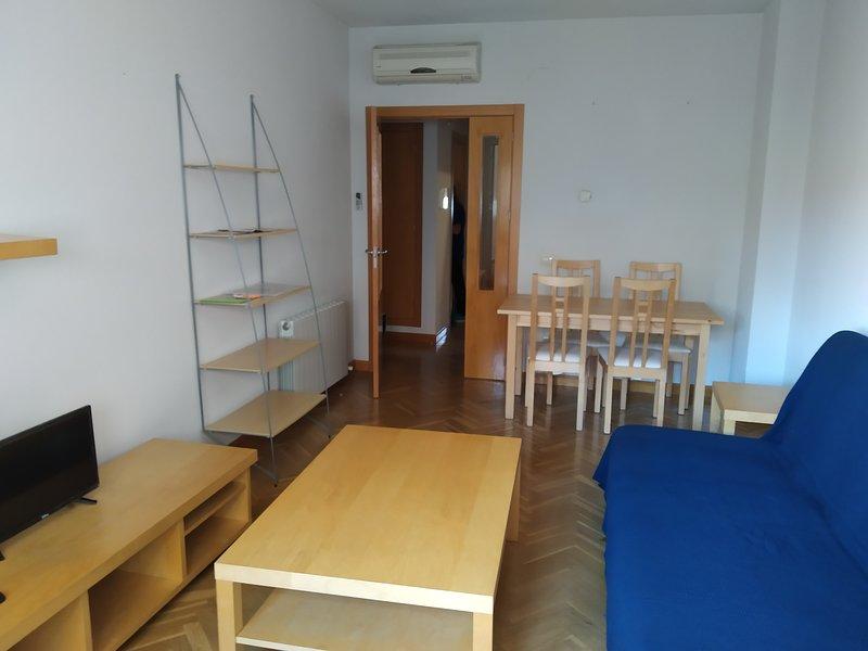 Apartamento junto a la estación del AVE, vacation rental in Nambroca