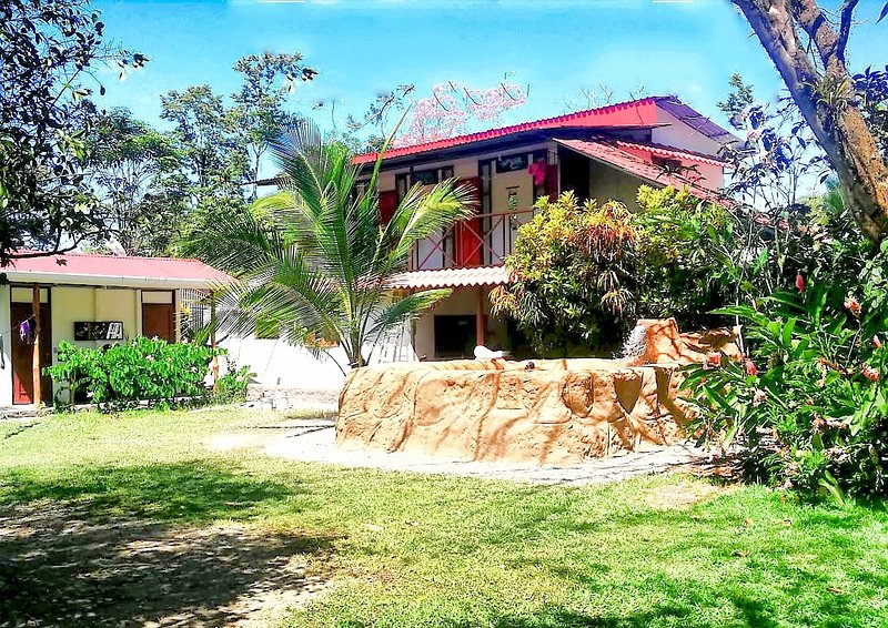 The Hangout Place, holiday rental in Hone Creek