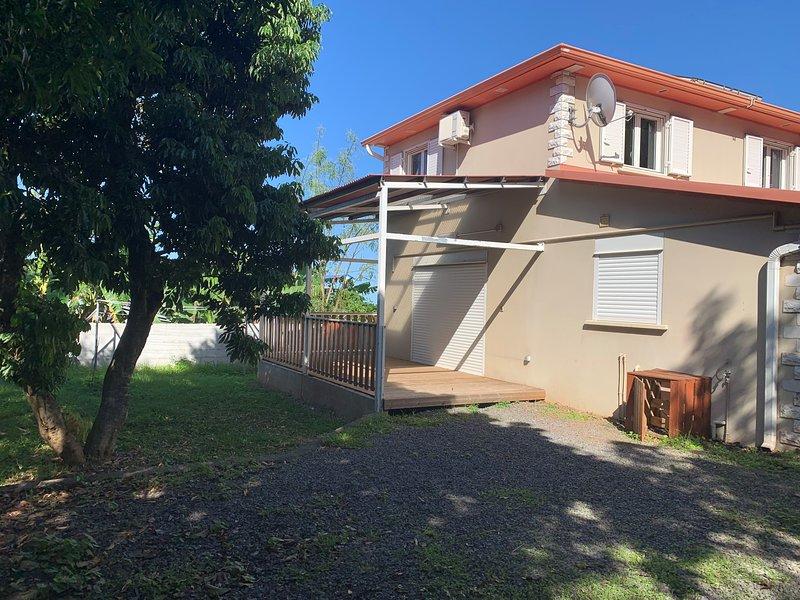 Spacious house with sea view & Wifi, location de vacances à Saint-Joseph