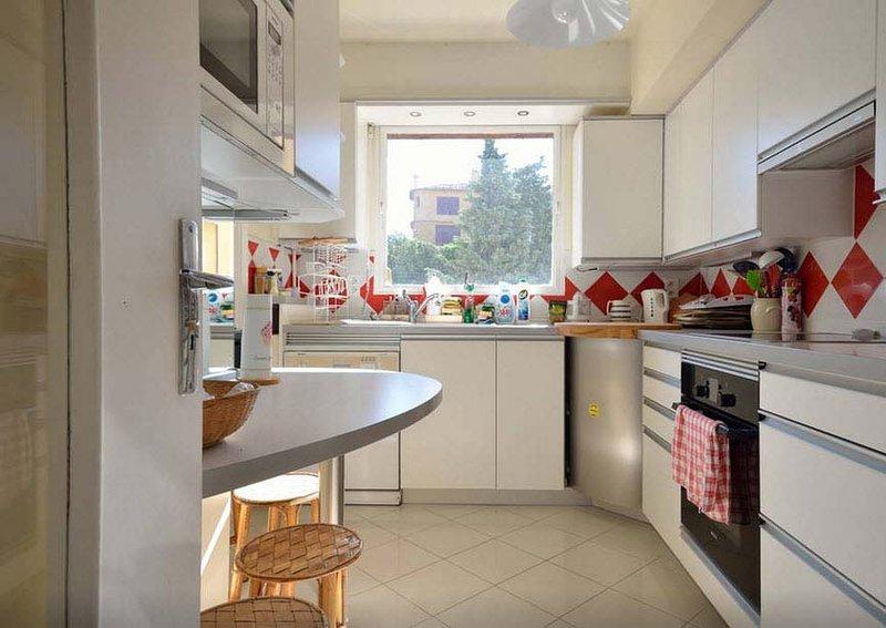 Exceptionnel appartement 100m², pieds dans l'eau, holiday rental in Saint-Raphael