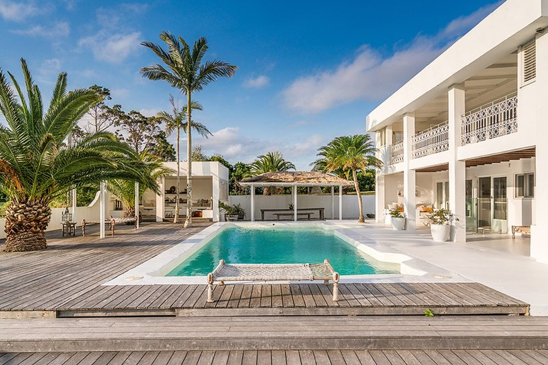 Byron Bay Luxury Holidays - Bisque House, alquiler de vacaciones en Skinners Shoot