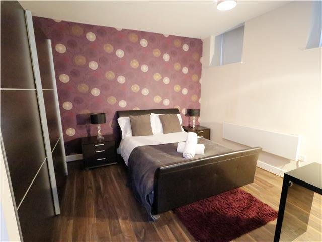 VIBRANT CITY STAY ON THE QUAYSIDE, NEWCASTLE ⭐CLOSE TO EVERYTHING ⭐, holiday rental in Tyne and Wear