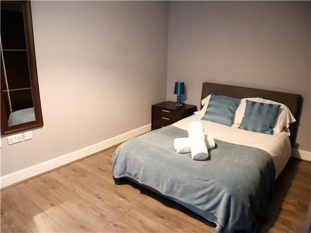VIBRANT CITY STAY ON THE QUAYSIDE, NEWCASTLE ⭐CLOSE TO EVERYTHING ⭐, holiday rental in Hebburn