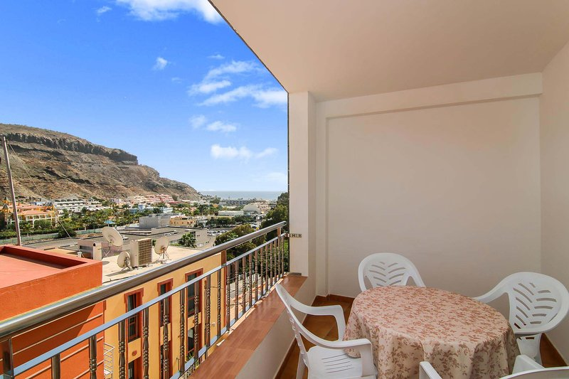 Nice apartment with sea view & Wifi, holiday rental in Las Burillas