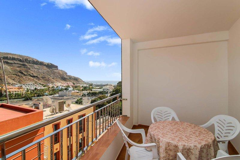 Nice apartment with sea view & Wifi, aluguéis de temporada em Las Burillas