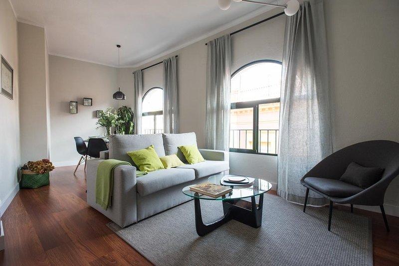 Amazing apt in Sevilla & Wifi, vacation rental in Las Navas de la Concepcion