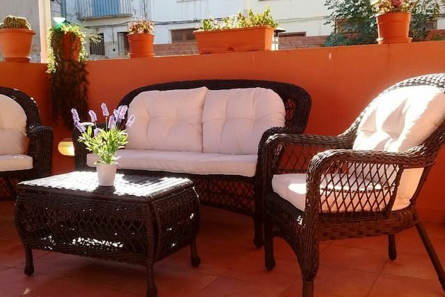 Amazing apt in Castelserás & Wifi, holiday rental in Albalate del Arzobispo