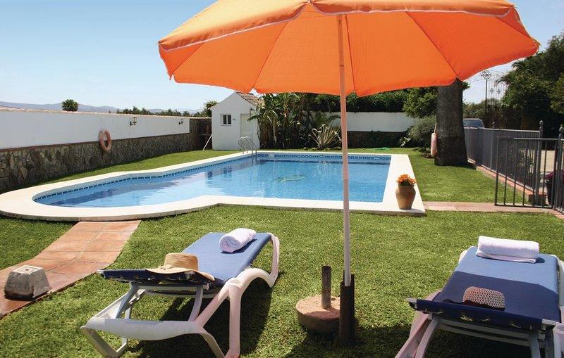 Casa Rural para 8 personas en Benalup Casas Viejas, holiday rental in Benalup-Casas Viejas
