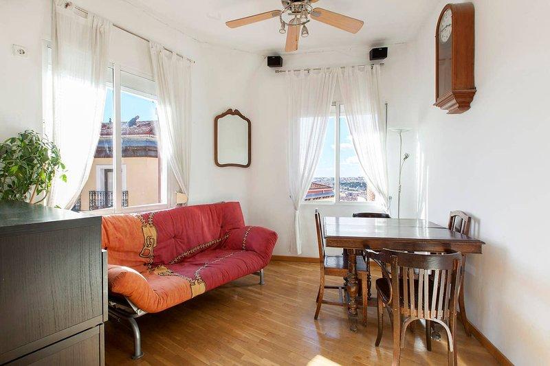 Beautiful apartment in Madrid, alquiler de vacaciones en Mazo