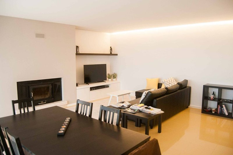 Beautiful apt in Aguçadoura & Wifi, vacation rental in Povoa de Varzim