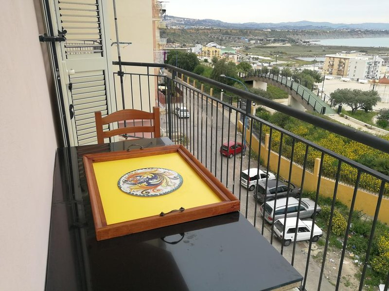 Spacious apartment near the beach, holiday rental in Porto Empedocle