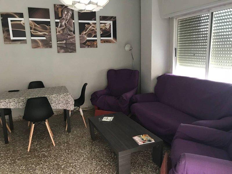 Amazing apt with balcony & Wifi, holiday rental in Cartagena