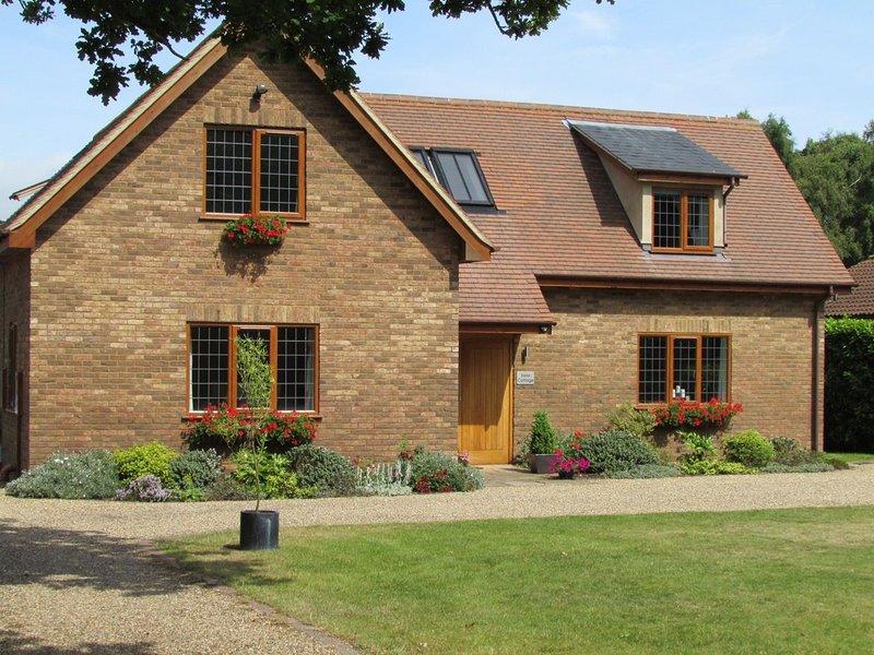 Swiss Cottage, casa vacanza a Knodishall