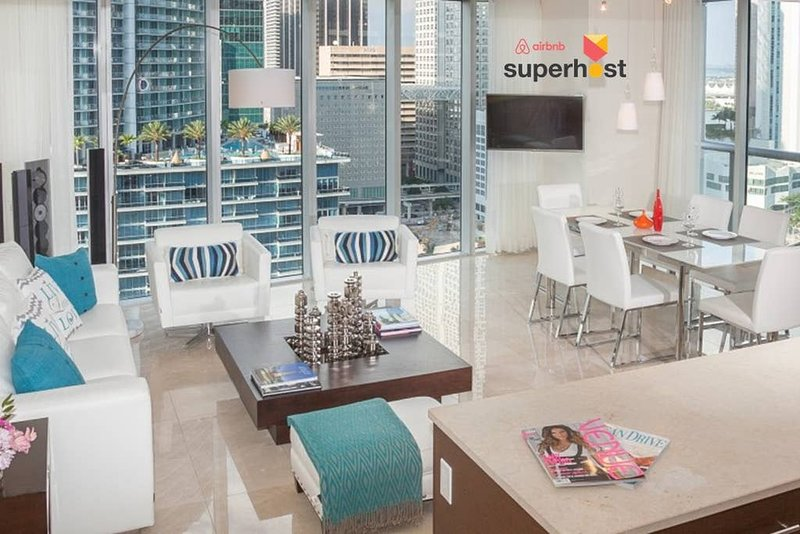 ★Luxury High Floor Oceanfront★Balcony★Smart TVs★SPA & Fitness★Icon Bri, vacation rental in Miami