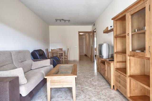 Amazing apartment with shared pool, alquiler vacacional en La Pineda