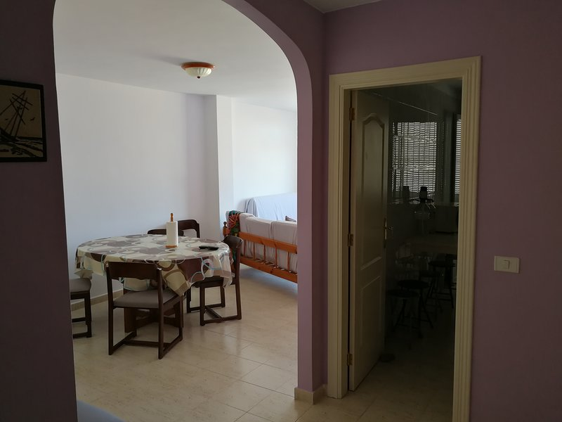 Nice apartment near the beach, vacation rental in Atogo