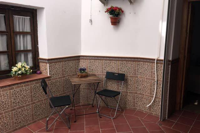 Beautiful apartment in Ronda & Wifi, holiday rental in Igualeja