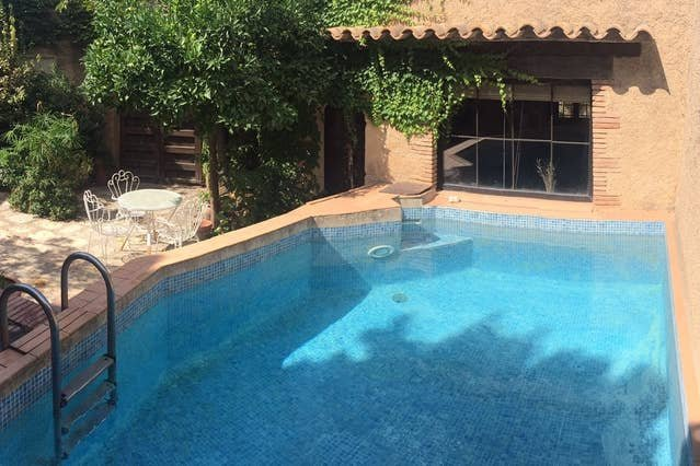 Amazing house with swimming-pool, location de vacances à Fontanilles