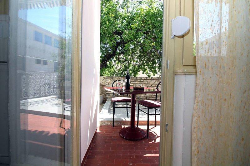 Amazing apartment in Tisno & Wifi, holiday rental in Tijesno