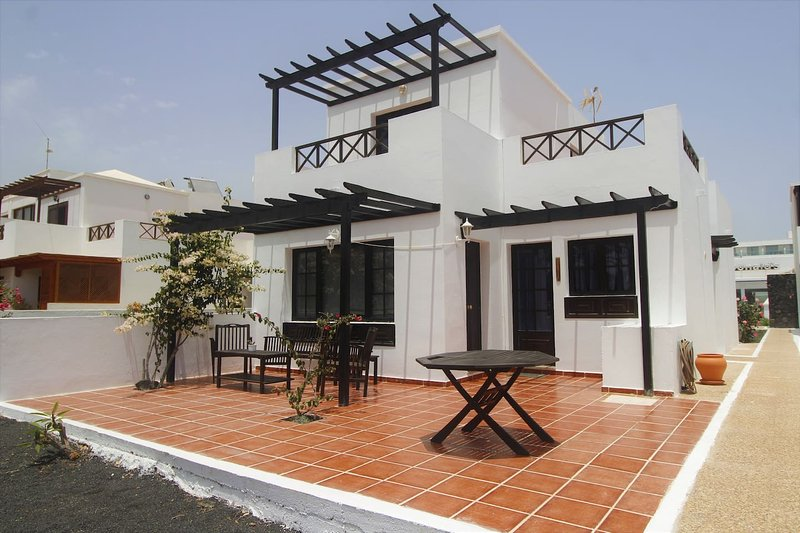 Amazing house with terrace & Wifi, vacation rental in Playa Honda