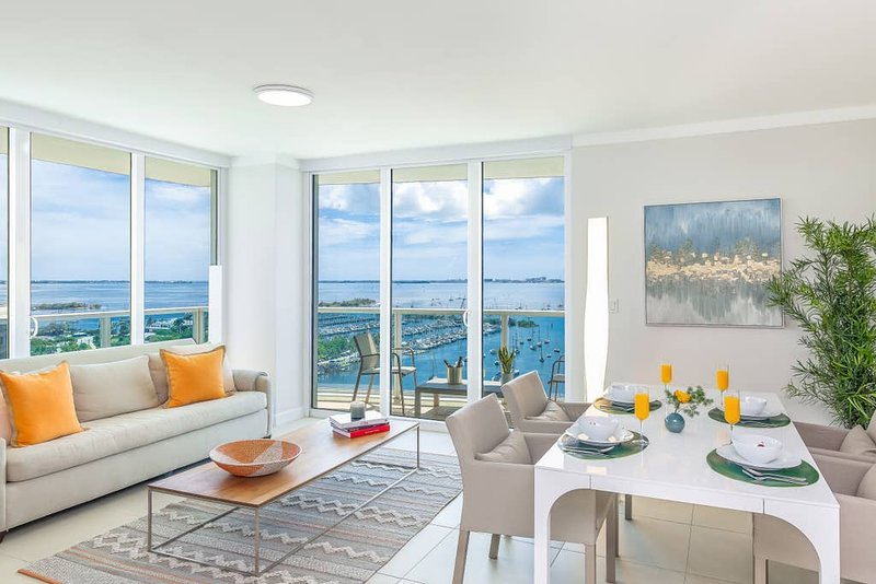 Coconut Grove Residences by Miami Vacation Rentals - Aria 1901 · 2/2.5 Corner, holiday rental in Coral Gables