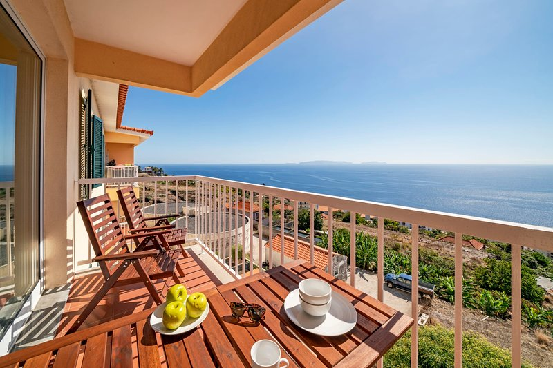Reis Magos III, for families with sea view., aluguéis de temporada em Santa Cruz